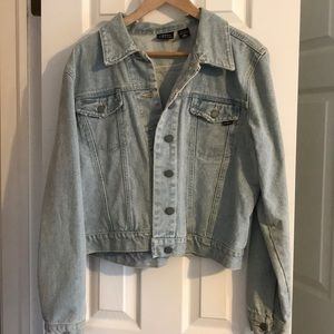 Vintage 90s denim jacket!